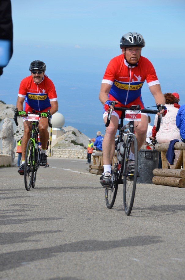 Team Against Cancer bedwingt Mont Ventoux voor KWF en Against Cancer
